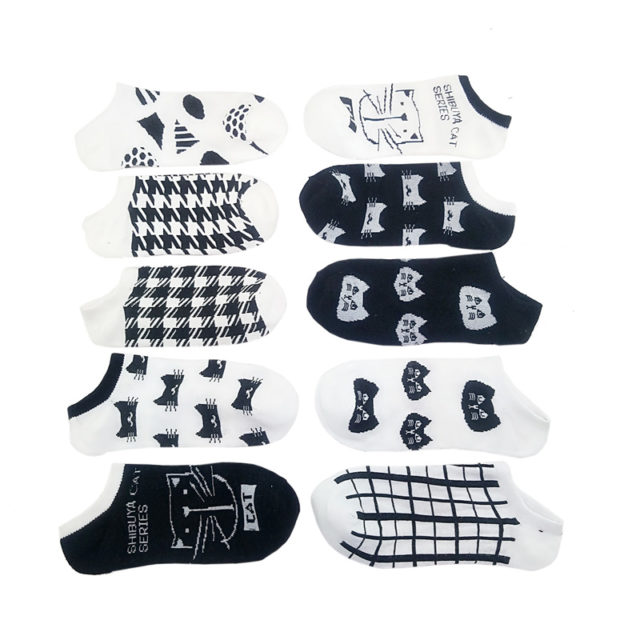 Women's Bamboo Socks with Cat Pattern